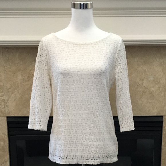 03ac4fd2ef8f9b Banana Republic Tops - Banana Republic white geometric stretch lace top 8